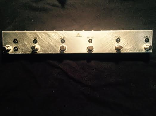 ABCDE Loop Switcher w/Master & Tuner Out