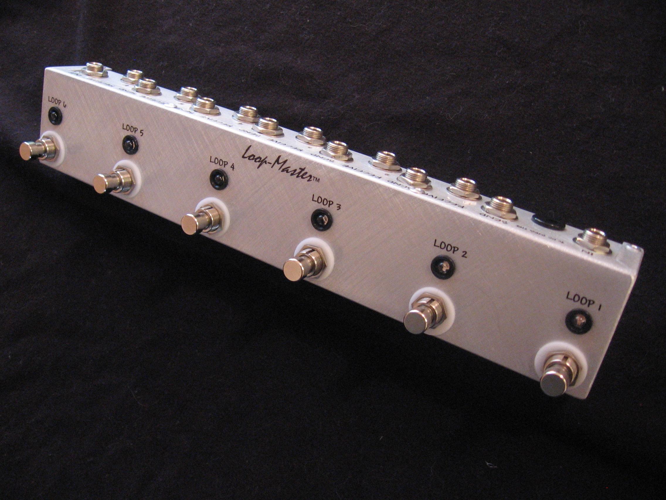 loop pedal switchers 6 looper loop master pedals. Black Bedroom Furniture Sets. Home Design Ideas